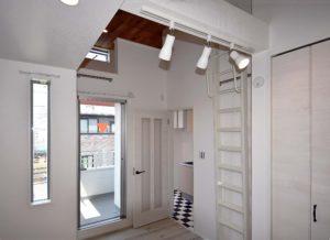 木造アパートの室内デザイン