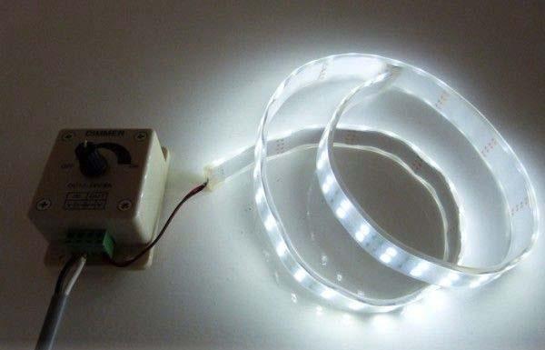 LEDでも電球色がある