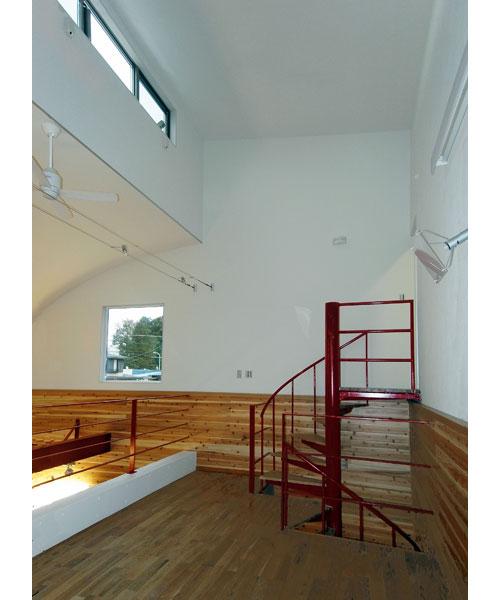 省スペースのらせん階段のデザイン