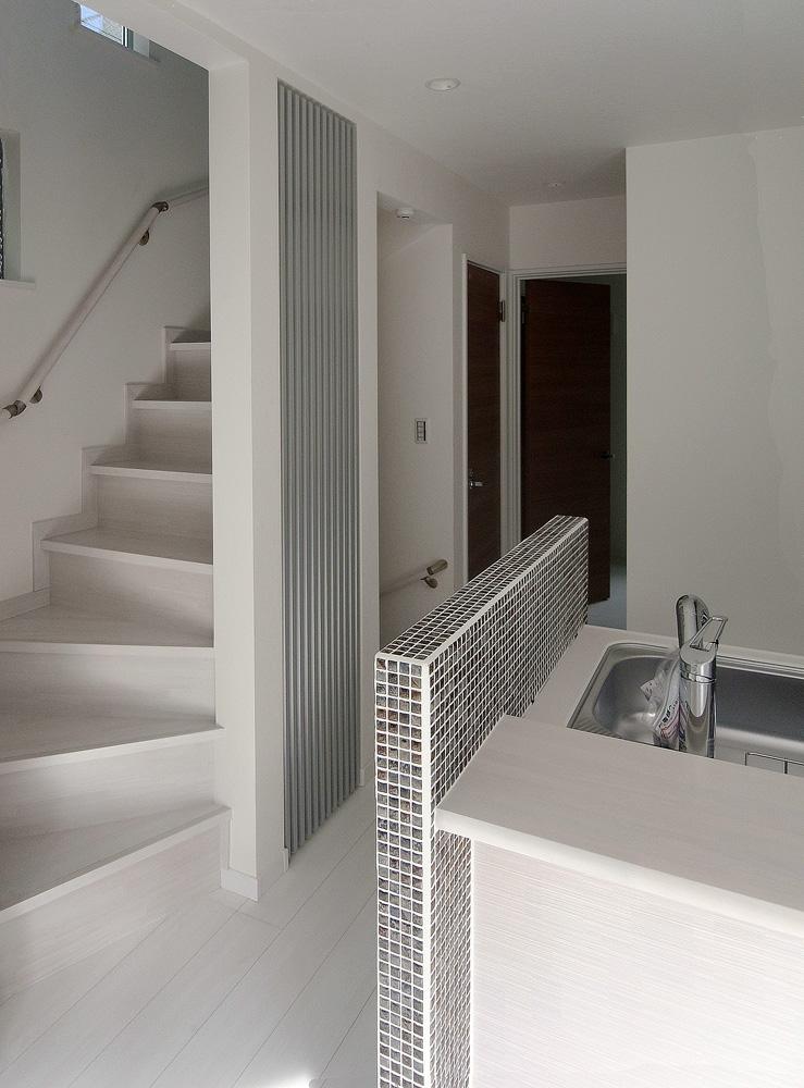 狭小住宅のデザイン ルーバー 造作